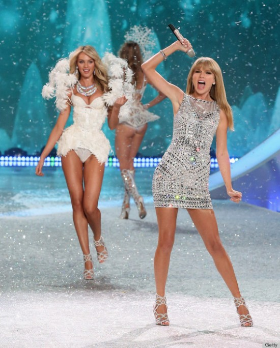 2013 Victoria's Secret Fashion Show - Performance